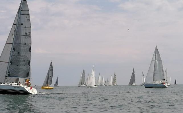 Al via anche le veleggiate